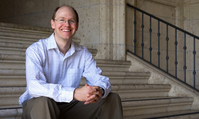 Gregory Fiete Named a Simons Fellow in Theoretical Physics