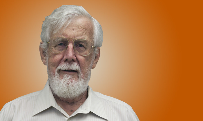Astronomer David Lambert Named 2019 Distinguished Texas Scientist