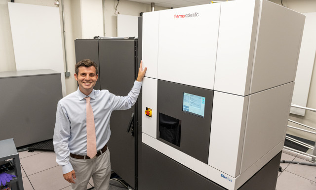 As Cryo-EM Capabilities Expand, Cool Science at UT Gets a Boost
