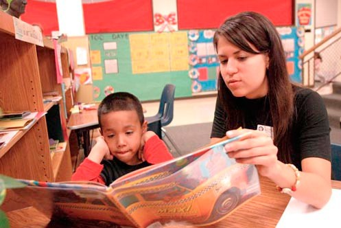 Literacy Program Expands Tutoring to 2,000 Children in Austin and Manor